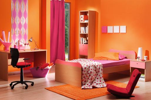 Kinderzimmer, Schreibtisch, Bett