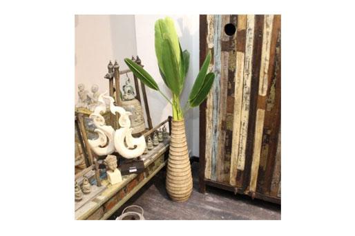 blumenvasen tipps und anregungen bodenwase wandvase oder deko vase. Black Bedroom Furniture Sets. Home Design Ideas