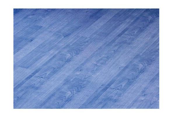 Blauer Laminatboden fürs Kinderzimmer
