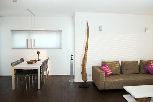 Offener Wohn-Essbereich mit Nische