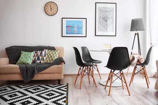 Anordnung Der Möbel Im Wohn Essbereich   Esstisch Neben Der Couch